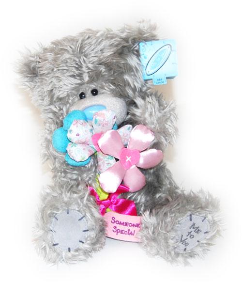 мишка с цветком картинка: